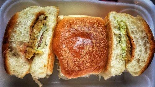Pakistan's beloved 'poor man's burger'