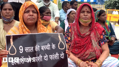 Delhi rape and murder: Indians protest over Dalit girl's forced cremation