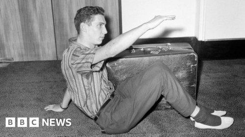 Crate escape: Search for Irishmen who airmailed Brian Robson home