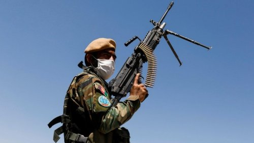Afghanistan: More than 1,000 soldiers flee to Tajikistan after Taliban clashes » Wars in the World