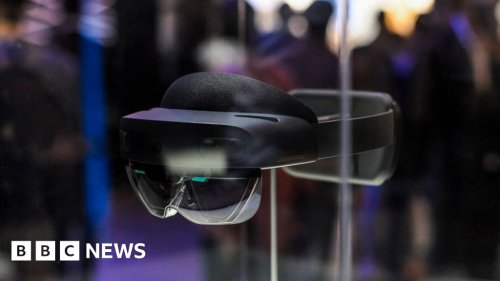 Microsoft to sell augmented reality goggles to army