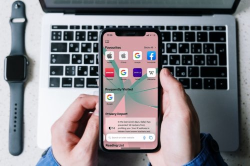 How To Customize Start Page Background Image in Safari on iOS 15