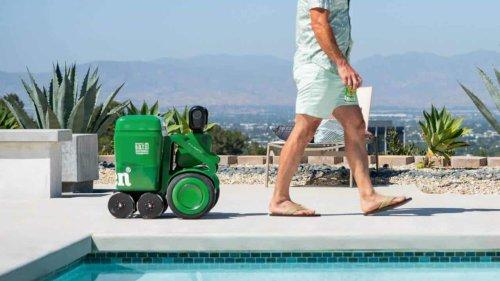 Heineken BOT, le robot qui refroidit la bière et vous suit partout