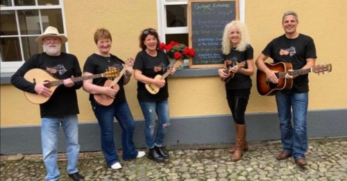 The Co Down ukulele group keeping spirits high throughout the pandemic