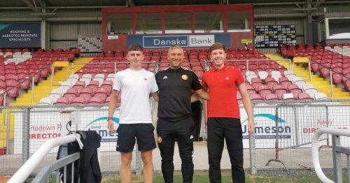 Portadown announce three-year professional deals for teenage pair