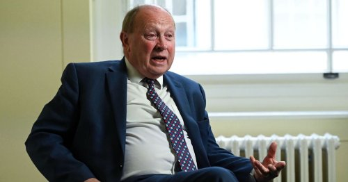 TUV's Jim Allister apologises for driving over PSNI officer's foot