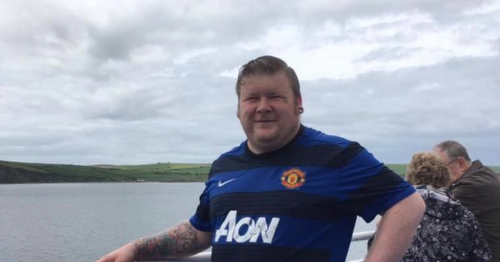 Tickets donated to give dad with five months final chance to see Man Utd