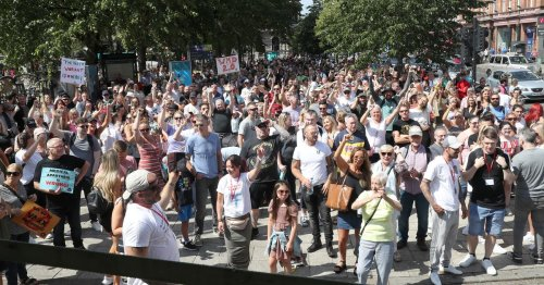 Hundreds take to Belfast streets in protest against Covid lockdown