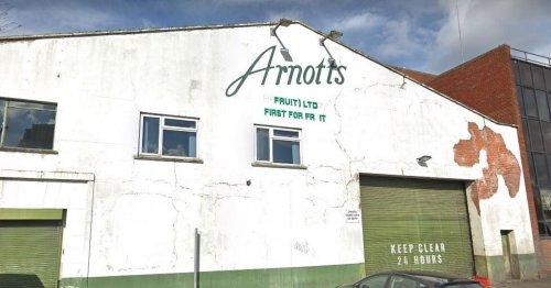 Belfast Cathedral Quarter bar gets licence despite asbestos concerns