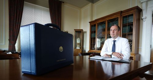 Paul Givan told by DUP officers he must resign as First Minister