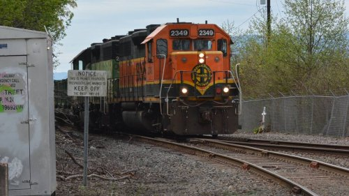 Train hits, kills man on tracks in South Thurston County