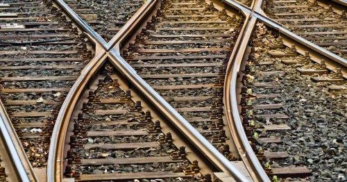 Rail Roundup: Train Crews, Shippers' Views, Shareholders Choose