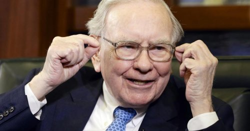 Warren Buffett's Berkshire Sheds Wells Fargo, Chevron Stakes And Buys This Stock Instead