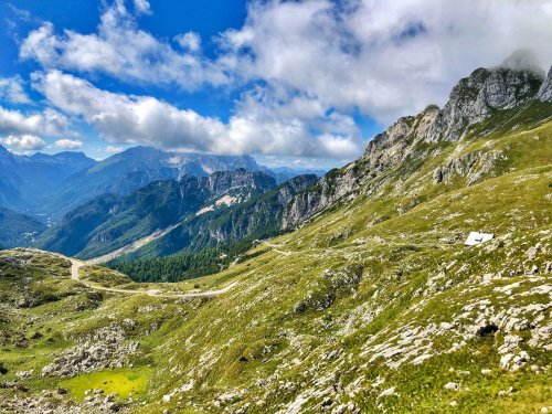 Bergparadiese Alpin- & Outdoor-Magazin cover image