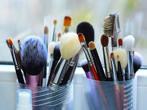 These Are the Only Makeup Brushes You Need