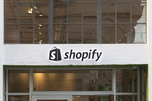 Shopify reportedly invests in Stripe, bringing total stake to over $350 million
