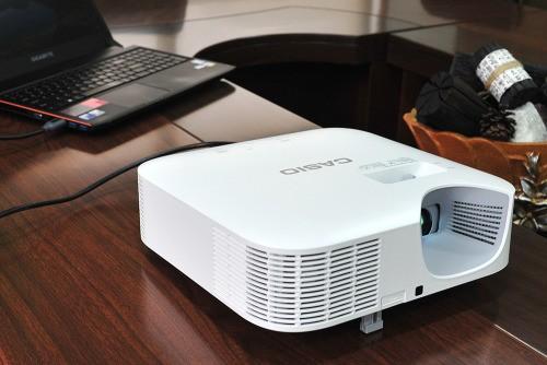 교실을 위한 맞춤형 프로젝터, 유환아이텍(UIT Inc.) 카시오 XJ-V10X - 베타뉴스
