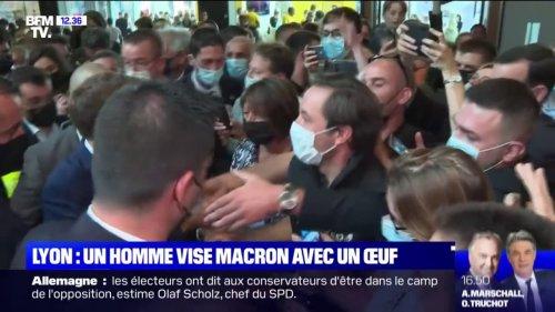 En déplacement à Lyon, Emmanuel Macron ciblé par un projectile lors d'un bain de foule