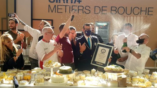 Lyon: record du monde battu avec une pizza comptant 834 fromages différents