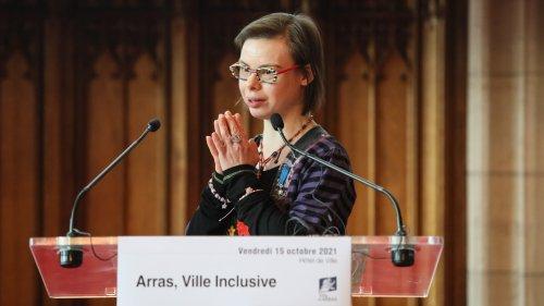 Trois questions à Éléonore Laloux, première femme porteuse de Trisomie 21 à être élue conseillère municipale