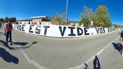 Nice-Monaco: la banderole insultante des supporters niçois contre la LFP et les médias