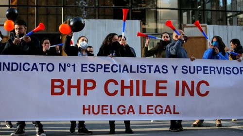 Chili: les travailleurs de la plus grande mine de cuivre du monde en grève