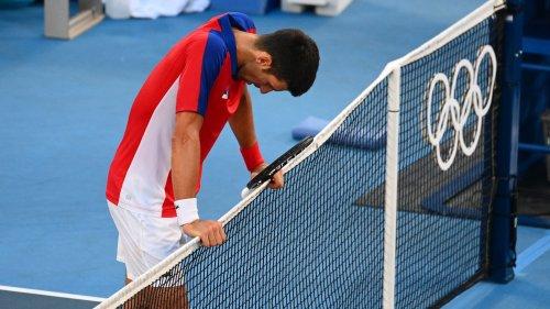 JO 2021 (tennis): Djokovic balance sa raquette et craque pour le bronze
