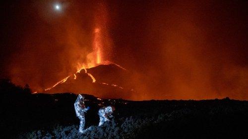 """Aux Canaries, l'éruption du volcan Cumbre Vieja """"durera tant que son réservoir ne sera pas purgé"""""""