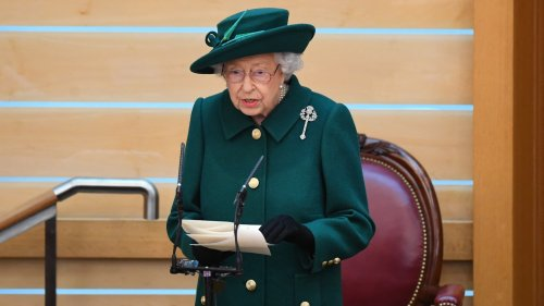 La reine Elizabeth II parle publiquement du prince Philip pour la première fois depuis sa mort