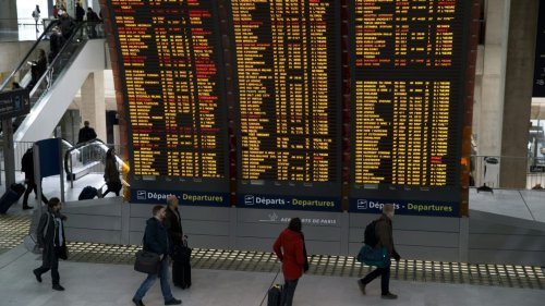 Le trafic aérien français encore 72% inférieur à la normale en juin, les prix des billets toujours en baisse
