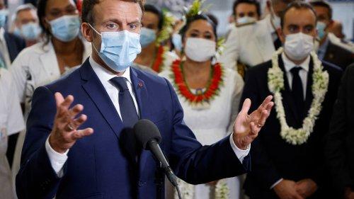 """Covid-19, pass sanitaire: pour Emmanuel Macron, """"aucune liberté n'existe sans devoir"""""""