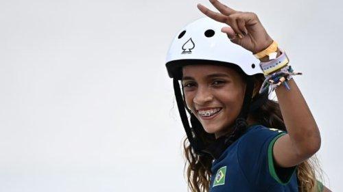 """JO 2021: La """"petite fée"""" du skate enchante le Brésil"""