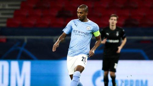 Mercato : Fernandinho pourrait finalement prolonger avec Manchester City