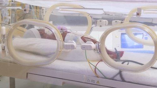Une jeune Malienne accouche de 9 bébés