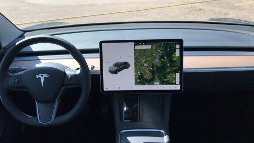 Le loueur Hertz commande 100.000 voitures Tesla