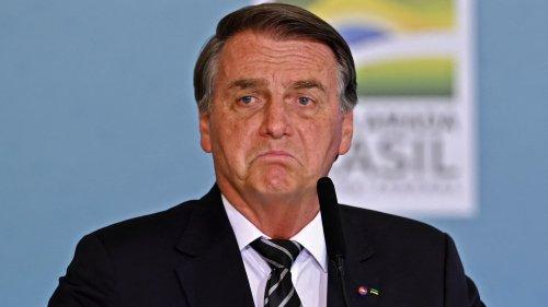 Brésil: Bolsonaro recalé à un match de foot, faute de passeport vaccinal