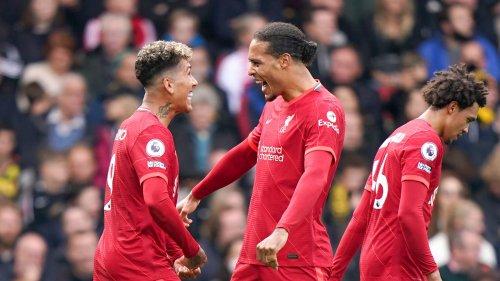 Premier League: Liverpool gâche la première de Ranieri grâce à un triplé de Firmino