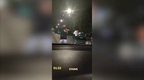 """""""Ils ont vidé leurs chargeurs sur moi"""": blessé par balle par la police, une victime témoigne"""