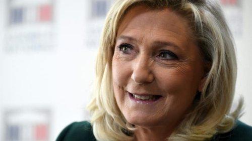 Immigration: Marine Le Pen dessine les contours de son projet de référendum