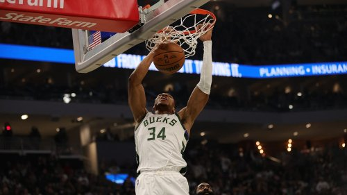 NBA: les Bucks, champions en titre, frappent fort d'entrée