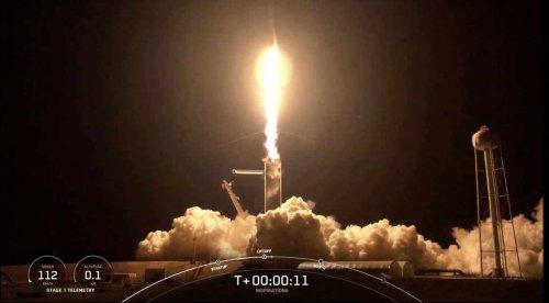 Un milliardaire, une infirmière... qui sont les passagers de SpaceX et pourquoi sont-ils dans l'espace?