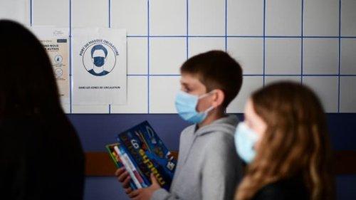 """Cours à distance pour les non-vaccinés en cas de Covid: la FCPE dénonce une """"école à deux vitesses"""""""