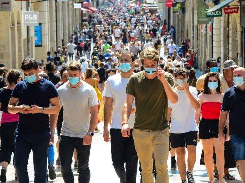 Insensibles à la vaccination, les immunodéprimés appellent Emmanuel Macron à renoncer à la fin du masque en intérieur