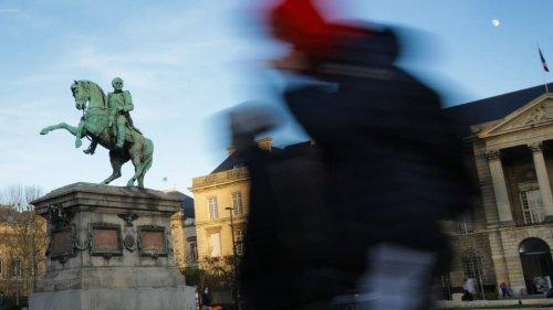 A Rouen, la statue de Napoléon bientôt remplacée par celle de Gisèle Halimi?