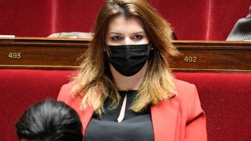 """Candidate LaREM voilée à Montpellier: Schiappa défend la """"séparation du religieux et du politique"""""""