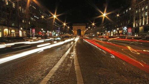 Les Champs-Elysées visent les 10 millions de visiteurs pour les fêtes de fin d'année