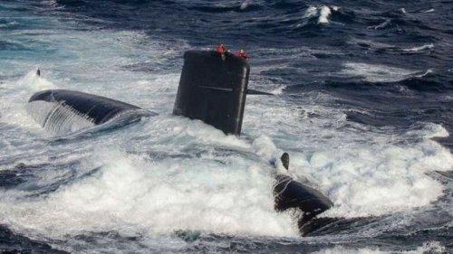 """Victime d'un incendie en 2020, le sous-marin """"Perle"""" quitte Cherbourg pour Toulon"""