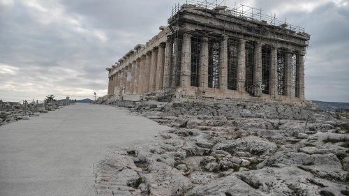"""""""C'est un massacre"""": pourquoi les travaux réalisés à Athènes sur l'Acropole font polémique"""