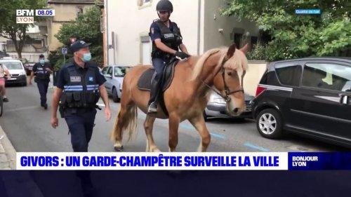 Givors: un garde-champêtre surveille la ville avec son cheval