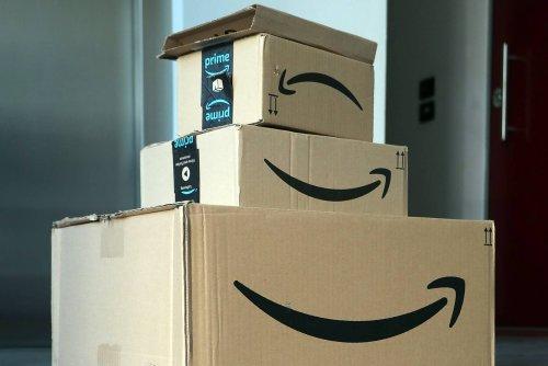 Today's top deals: Free $15 Amazon credit, $530 70″ TV, $4 smart plugs, $8 smart bulbs, $90 robot vacuum, Anker sale, more